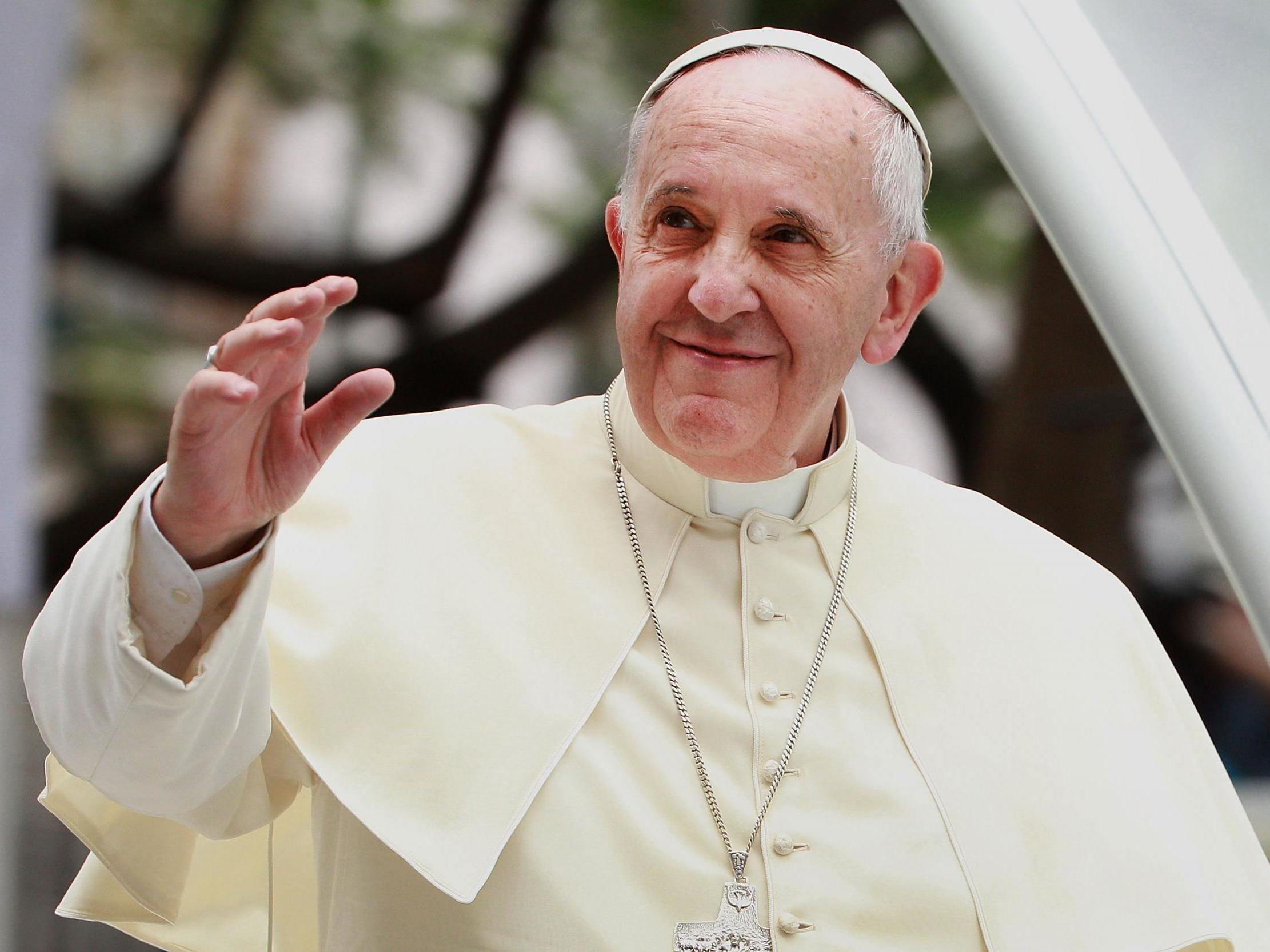 Pope urges hugs, phone calls to fight off isolation